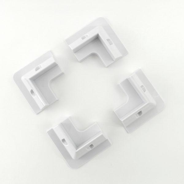 Corner brackets for solar panels